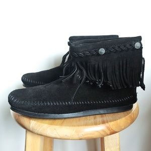 Minnetonka Fringe Boots High Top Back Zip
